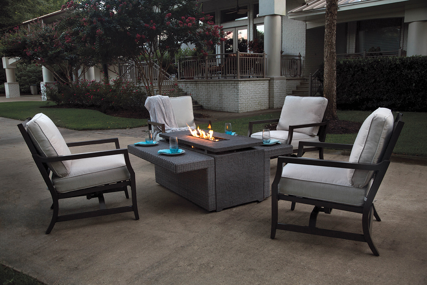 Outdoor furniture blufish designs for Outdoor furniture designers
